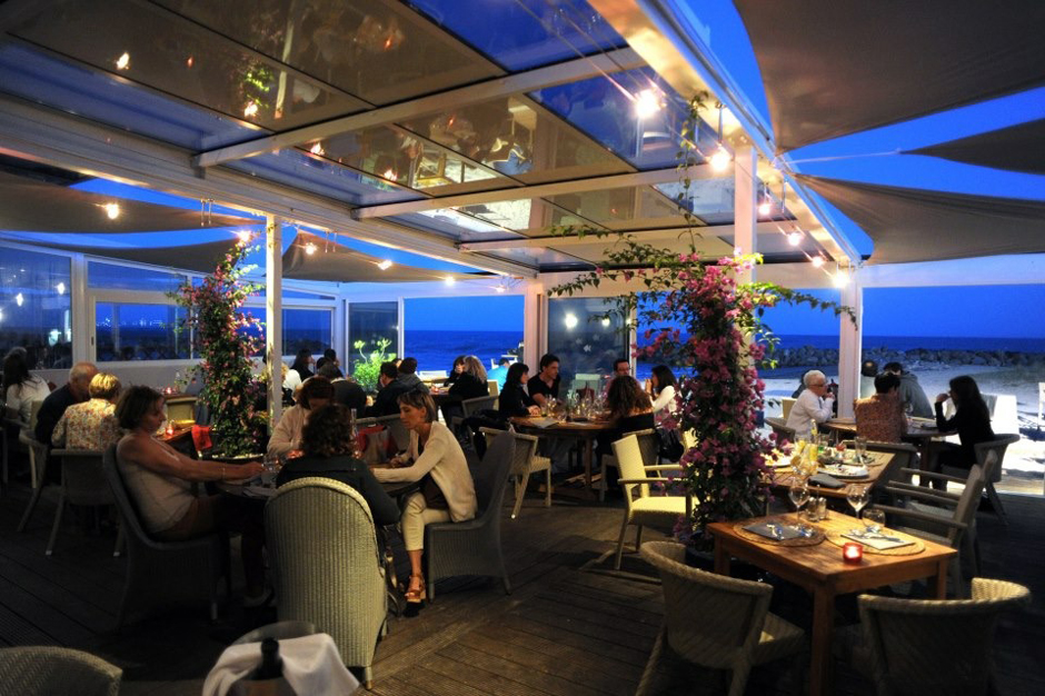Restaurant frontignan plage priv e le poisson rouge bassin for Vente poisson rouge montpellier